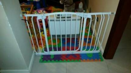 Dream Baby Hallway Gates Redcliffe Belmont Area Preview