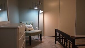 """Fanshawe Students - """"All Incl"""" Bedrooms Avail Close to Downtown"""