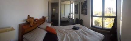 Private bedroom w bathroom in luxury apartment Zetland