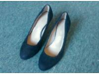 Shoes heels size 4