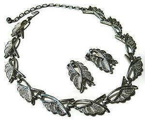 Sarah coventry necklace ebay sarah coventry silver necklaces aloadofball Images