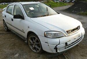 Holden Astra, 2001 Wrecking X7693 Devon Meadows Casey Area Preview