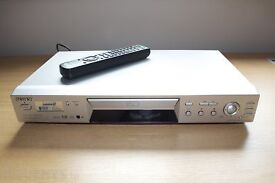 SONY silver DVD player and remote control. Excellent condition