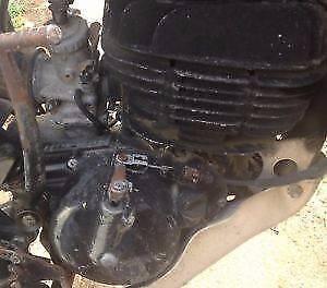 Suzuki PE175 PE 175 1980 Engine Motor Running Engine