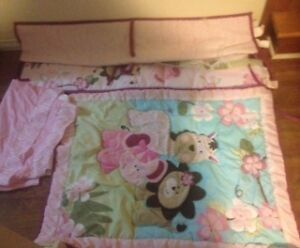 3 peace set girls crib bedding set (smoke free home) 45.00
