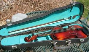 VIOLIN 1/4 SIZE BY HOHMANN WITH BOW,CASE GREAT SHAPE