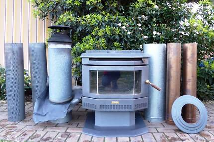 ULTIMATE ELITE 20 WOOD HEATER & FLUE KIT * VGC * MELB PICK UP
