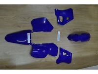 2003 Yamaha dt125r full brand new plastics and mud guards in Yamaha blue