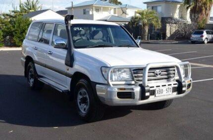2004 Toyota Landcruiser HDJ100R GXL White 5 Speed Automatic Wagon