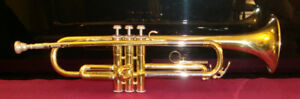 YAMAHA STUDENT TRUMPET MODEL YTR232 (AS IS) WITH CASE
