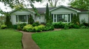 House for rent - Waterfront bungalow in Ile Bizard