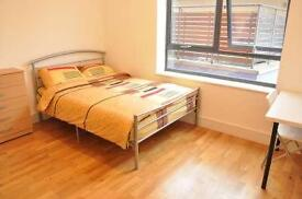 3 bedrooms in Copenhagen pl 25-86, E14 7FF, London, United Kingdom