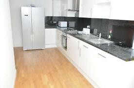 3 bedrooms in Copenhagen pl 25-86, E14 7DE, London, United Kingdom