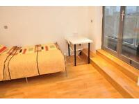 4 bedrooms in Copenhagen pl 25-86, E14 7FF, London, United Kingdom