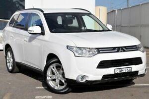 2013 Mitsubishi Outlander ZJ MY13 ES 2WD White 6 Speed Constant Variable Wagon Gosford Gosford Area Preview