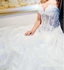 Robe de mariage en blanc