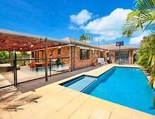 SHORT TERM LET - 3 BED HOUSE WITH POOL Mooloolaba Maroochydore Area Preview