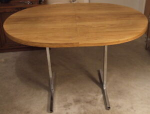 TABLE - OVAL