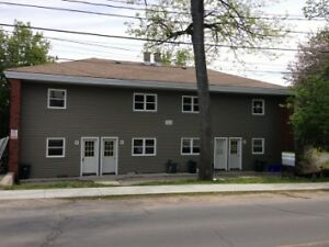 SPACIOUS 2 BED NEAR QUEENS! A- 548 Union St