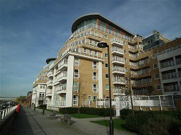 Trendy 2 Bedroom Apartment with Stunning Views Of The River