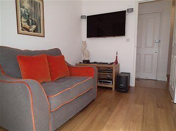 Fantastic Two Bed Apartment in Villiers Street next to Charing Cross Station