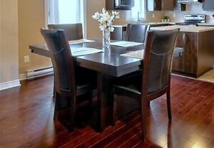 Dining Room Table and Chairs (6)
