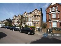 3 bedroom flat in Tierney Road, London, SW2 (3 bed)