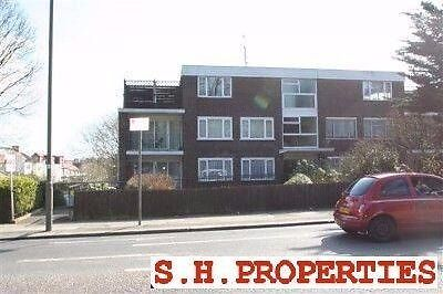 LOVELY 2 BEDROOM GROUND FLOOR FLAT, AVAILABLE IN OCTOBER PLACE, HENDON, NW4 1EJ