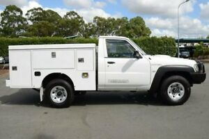 2010 Nissan Patrol GU 6 MY10 DX White 5 Speed Manual Cab Chassis