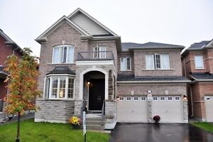 Charming 2-Storey House In Prime Location At Martinau Dr