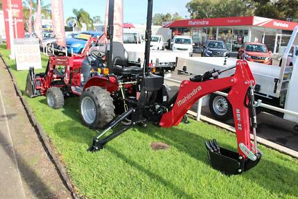 Mahindra eMax25s 4X4 with Loader/4in1 Bucket & BackHoe