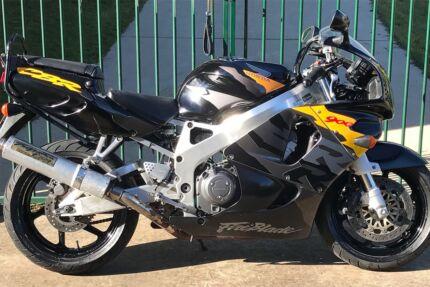 Honda CBR900RR Fireblade, may trade another road bike, $3900.
