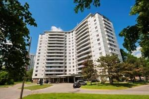 Finch and Bathurst: 3 Goldfinch Court, 3BR