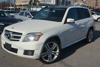 2010 Mercedes-Benz GLK-Class 4MATIC,LEATHER WITH PANO ROOF, ALLO