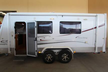 2010 Jayco Sterling Outback 21ft !!
