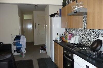 3 bedroom house in Stepney Way, Whitechapel, London