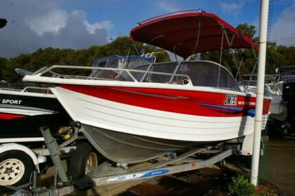 Quintrex 540 Freedom Cruiser 2007 model bow rider