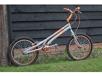 Onza Rip Trials Bike - Grey/Orange, Good Condition.