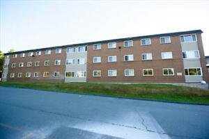 Main and Caledonia: 7-11 Kennedy Dr, 3BR