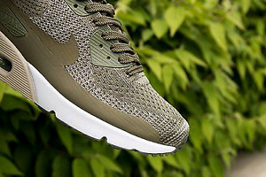 Nike Air Max 90's Ultra 2.0 Flyknit DS Size 9.5 ~Retail for $215