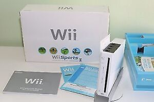 NEW NINTENDO WII IN BOX INCLUDE 2 REMOTE + NUNCHUK + WII SPORTS