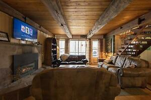 6 Bed Blue Mountain Ski Chalet with Hot Tub - Sleeps 14
