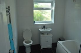 Beautiful large double room avaialbe to rent in a shared house.