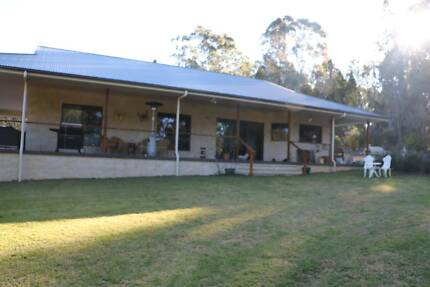 Beautiful 3 Bedroom Home set on 165 Acres - 10 mins to Stanthorpe
