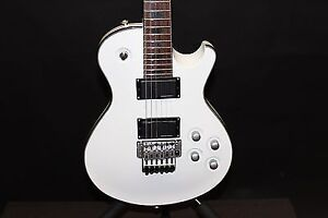 Charvel DS-1 in White