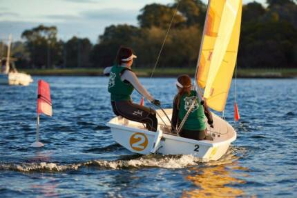 Keep the kids active these school holidays by learning to sail!