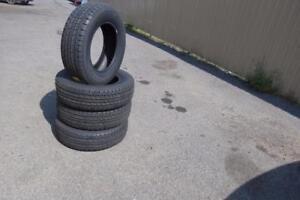 pneus(-215-70-16)