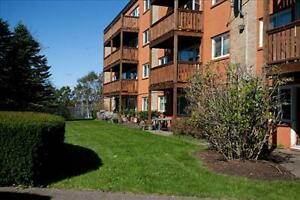 Franklyn Ct and Crystal Dr: 2 - 4 Franklyn Court, 2BR