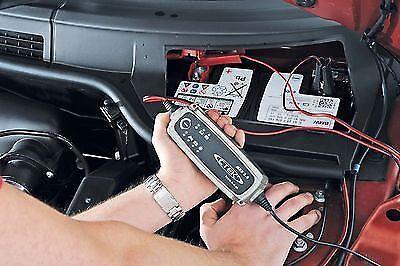 Investiere in ein Batterieladegerät
