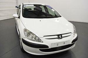2003 Peugeot 307 2.0 White 5 Speed Manual Hatchback